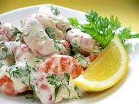 Легкий святковий салат з креветками