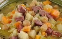 Легкий суп з картоплею і пекінською капустою