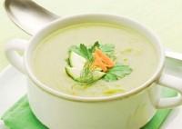 Легкий суп із зеленим горошком