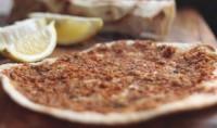 Коржик з м'ясом по-турецьки «Лахмаджун»