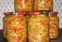 Літній салат-заготівля з моркви з яблуками