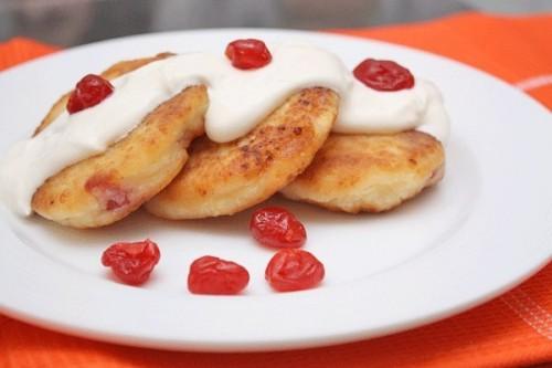 Улюблене з дитинства: сирники - 5 смачних рецептів