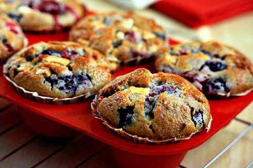 Мафіни і кекси з фруктами і ягодами