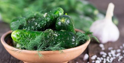 Малосольні огірки в пакеті - рецепт приготування з фото