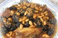 М'ясо, тушковане з медом і чорносливом