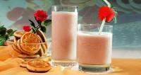 Молочний коктейль «смородинка»