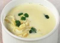 Молочний суп-пюре з молодими овочами