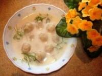 Молочний суп з галушками з манки