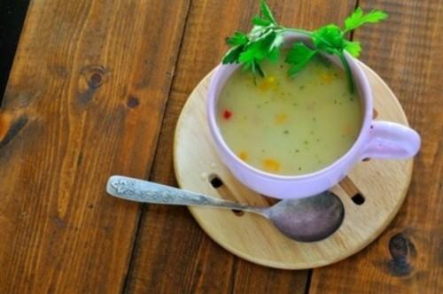 Молочний суп з тріскою, перцем і селерою