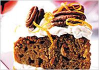 Морквяний торт з вершковим сиром і горіхами пекан