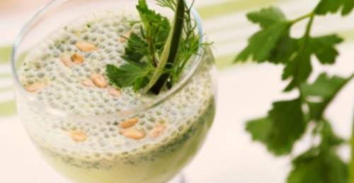 Напої з кефіром: освіжаючі і не тільки