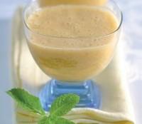 Напій з грейпфрутом, грушею, висівками і медом