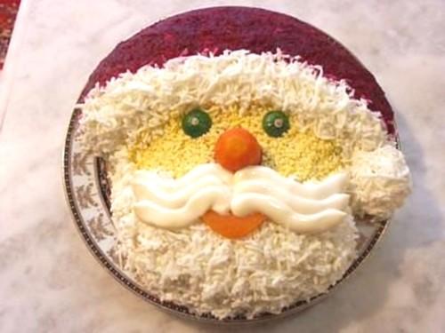 Новорічні салати: шапка і рукавиця Діда Мороза