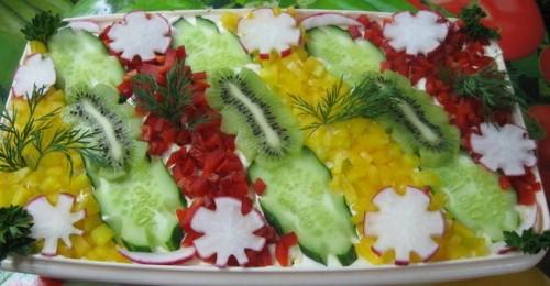 Новорічний салат «Морські акварелі» з креветками і овочами