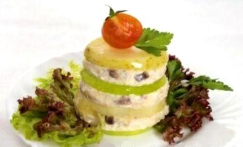 Новорічний салат з форшмаком з оселедця «Вежа»