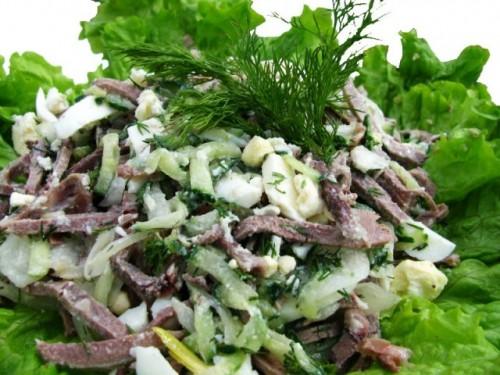Новорічний салат з язиком «Вацлавский»