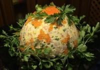 Новорічний салат з куркою, ікрою та овочами