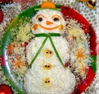 Новорічний салат «Снеговичок»