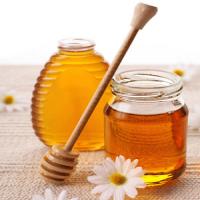 Про користь меду в харчуванні дітей