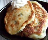 Оладки з сиру з цибулею