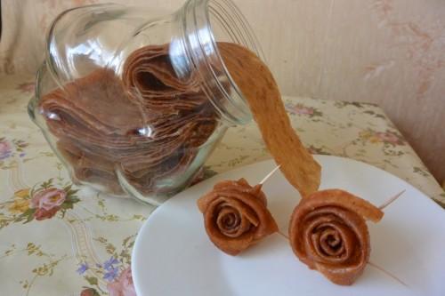 Оригінальні рецепти пастили з яблук, айви та сухофруктів