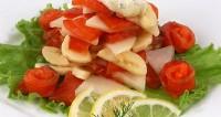«Оригінальний» салат з сьомгою і фруктами