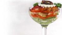 Овочевий салат зі сливами й яблуками