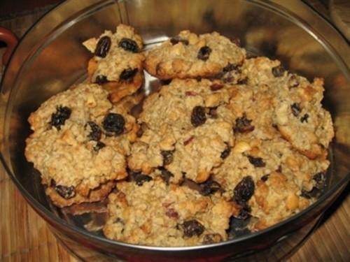 Печиво вівсяне з фундуком, родзинками і коньяком