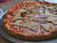Піца блинная з ковбасою