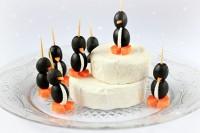 Пінгвінчікі з сиру, моркви і маслин