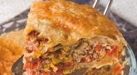 Пиріг з бараниною і салямі «по-турецьки»