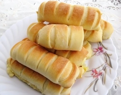 Пиріжки по-польськи з плавленим сиром