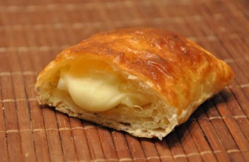 Пиріжки з сиром: 4 цікавих рецепта