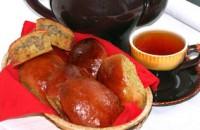 Пиріжки бурякові з курячими потрошками