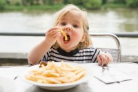 Харчування дітей від трьох років і підлітків
