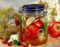 Помідори з хроном в соку агрусу