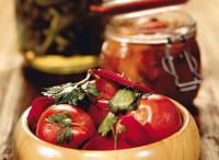 Помідори в томатному пюре