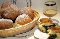 Пончики з горіхами та маком