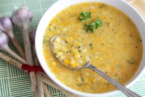 Пісні горохові супи: смачно харчуємося навіть у піст