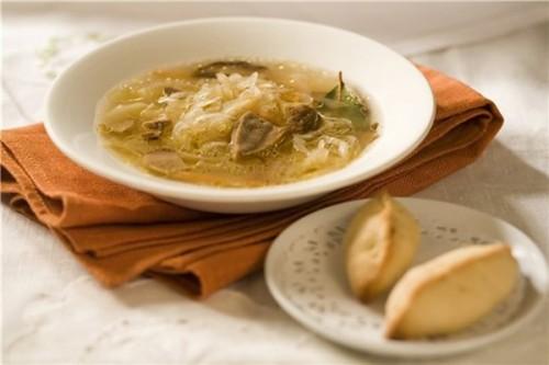 Пісні супи з капусти: 7 рецептів
