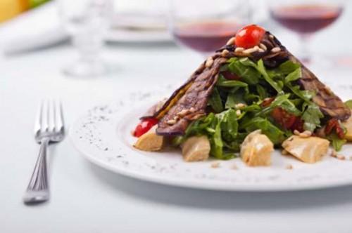 Святкові салати з баклажанами: 6 рецептів