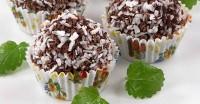 Святковий десерт шоколадно-мигдальні кульки