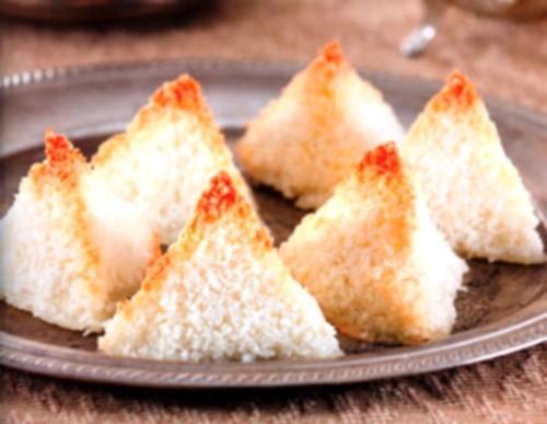 Святковий десерт «Снігові пірамідки»