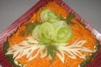 «Святковий» салат з копченим окостом