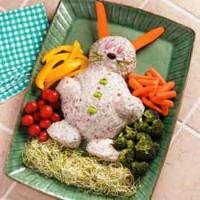 Святковий салат з шинкою «Кролик»