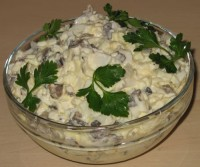 Простий салат з кальмарів