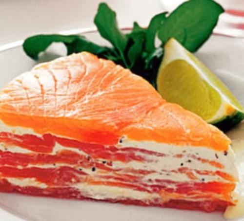 Простий закусочний торт з лососем