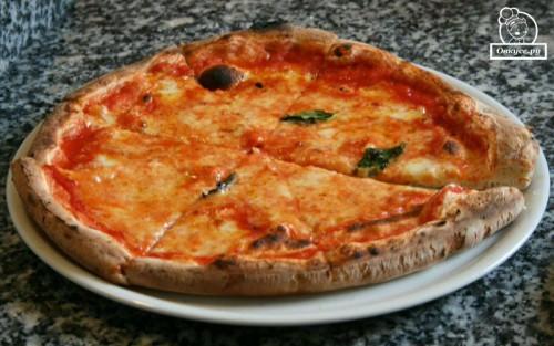 Подорож зі смаком по Італії. Рецепт піци «Маргарита»