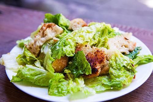 Рецепти салату Цезар для святкового столу