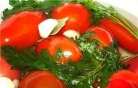 Різані консервовані помідори